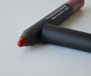 Boca Colorida: NARS Velvet Matte Lip Pencil Cruella