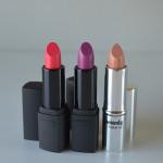 Boca Colorida: Batons Mate Diva Pink e Violet Kiss e Batom Color Effect Crystal Nude Contém 1g