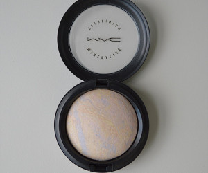 Amostrinhas: MAC Mineralize Skinfinish Lightscapade