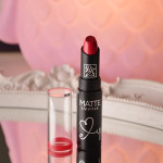 Boca Colorida: Batom Matte Ruby Kisses by Kiss NY (cor Red Mangrove)